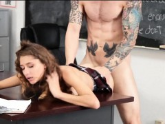 Отец трахает на кухне свою дочь порно видео