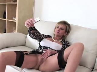 unfaithful english mature gill ellis showcases her gigantic