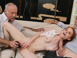 20-letni rudzielec włączony moich starych dicks