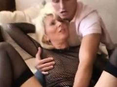 Порно видео сестра попросила порвать не писать в анус