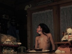 видео голых красавиц с небритыми иськами вчулках