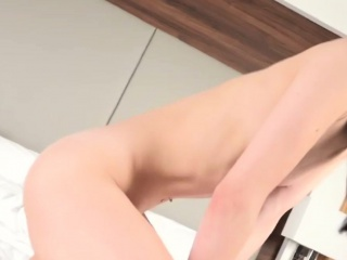 Amateur asian tranny uses feet after switch