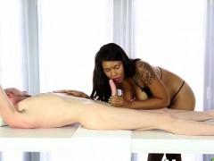 Видео секс сама с собой домашнее