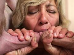 Порно очень молодых мохнаток