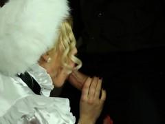 Секс геи с большими членами одному парню дали в жопу три парня с большими членами