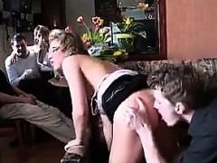 Смотреть видео девчонки в очень коротких юбках без трусиков на дискотеке