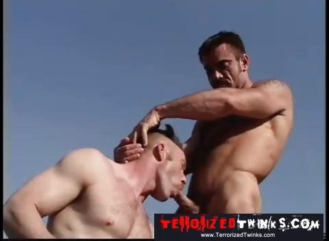Porn Tube of Hairy Hunks Get It On By The Pool