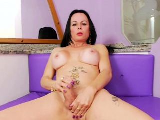 Bubble butt mature shemale jerking off her hard cock