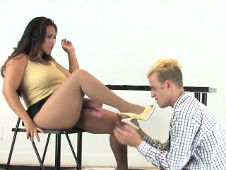 Порно бесплатно групповуха страпон