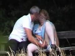 Видео у японок на улице под юбкой