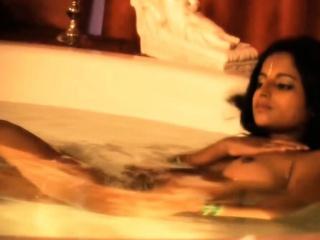 Девки заставляют лизать клитор и кончают смотреть порно онлайн