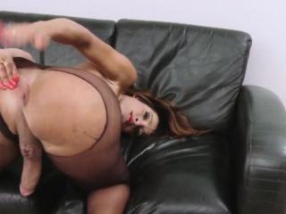 Bigcock shemale tugging