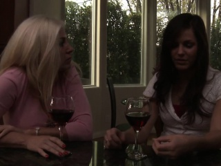 Mature lesbo pegging younger babe