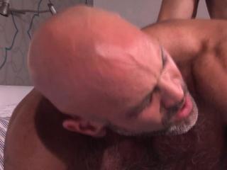 Muscly bears fuck n spunk