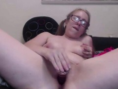 Женская киска толстая крупным планом
