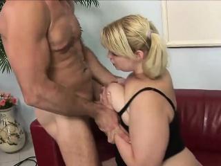Молодые толстые девчонки порно смотреть порно