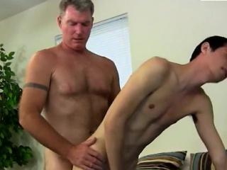 Xxx gay fisting porn Brett Anderson is one fortunate daddy,