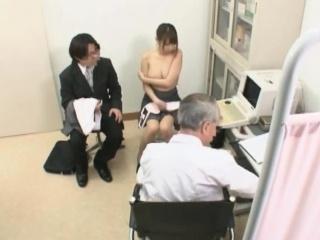 Смотреть порно трахнул сиськастую мамочку кончил внутрь смотреть порно