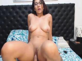 Молодая девушка кончила от кунилингуса смотреть порно онлайн
