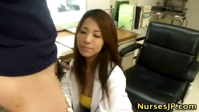 Porno Video of Slutty Japanese Nurse Gives A Handjob