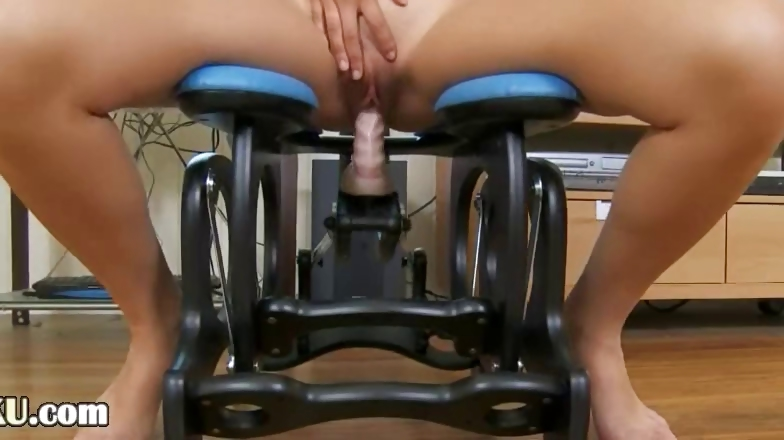 Porno Video of Ultra Sexy Asian Testing Realy Huge Toy