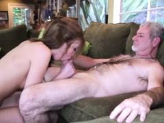 Порно онлайн 3 шмеля и одна девушка