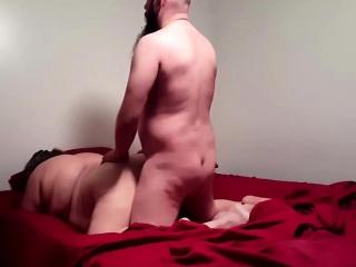 Мужик лижет бабе пизду порно смотреть