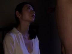 Муж и жена на скрытую камеру в спальне