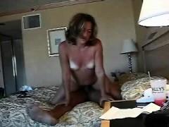 Красивые девушки голой жопой танцует видео