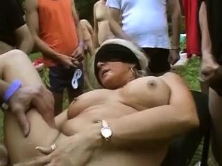 Секс со старой волосатой пиздой смотреть порно онлайн