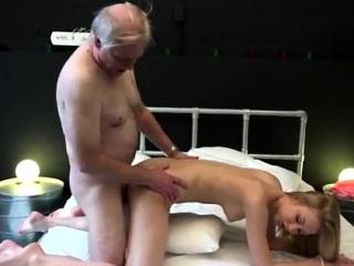 Домашнее порно с молодой жопастой смотреть порно