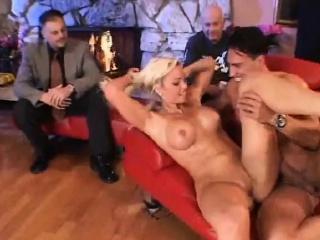 Большой член карлика смотреть порно