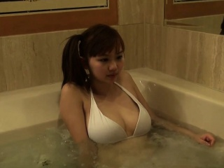 jacquey azul lesbian sex with asian girl in hot-tub