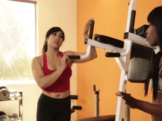 personal trainer mia li gets even more personal with sarah