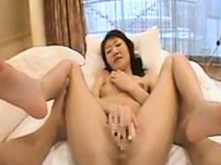 bodacious hottie buries a dildo in her pussy and succumbs t
