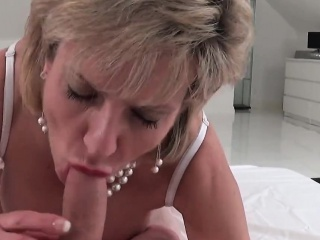 adulterous british milf lady sonia flashes her giant puppies