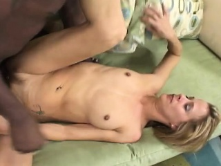sexy slender blonde milf peyton leigh gives a huge black stick a try