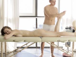 Секс массаж зрелых женщин скрытая камера