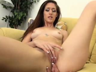 casani lei playing with her pussy solo
