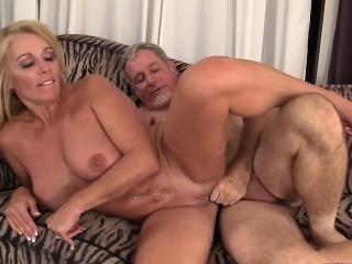 Ебля с девушкой при муже смотреть порно онлайн