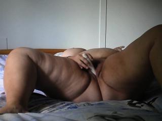 bbw masturbate jonelle from 1fuckdatecom