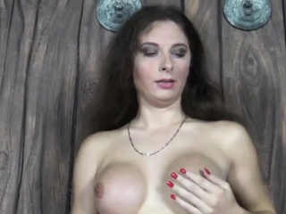 Russian tranny stuffing ass with candle