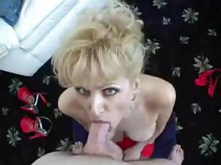 Racquel devonshire using a blue dildo 5