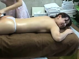 attractive oriental babe with a heavenly ass is in need of