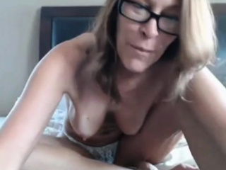 jenna 44 spreading hairy pierced pussy on webcam