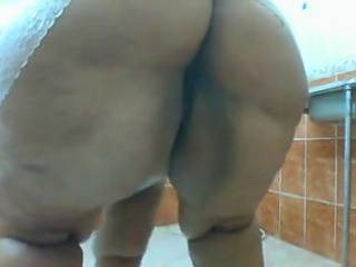 19 year old morrocan laila taking a shower - 5 6