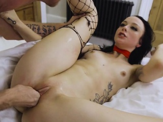chick alessa savage gets dicked down by hung banker