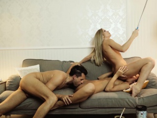 los consoladores - consoling threesome with hungarian babes