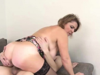 fat mature bimbo rides a throbbing boner