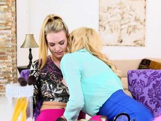 leszbikus mostohaanyja amanda verhooks és kate anglia
